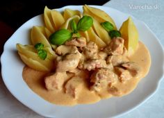Czech Recipes, Ethnic Recipes, Goulash, Hummus, Cantaloupe, Dinner, Fruit, Cooking, Czech Food