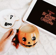 Find images and videos about autumn, fall and Halloween on We Heart It - the app to get lost in what you love. Halloween Movies, Fall Halloween, Happy Halloween, Halloween Party, Halloween Decorations, Creepy Movies, Creepy Toys, Halloween Tumblr, Autumn Aesthetic