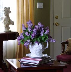 Happy To Design: Lilacs in the Living Room