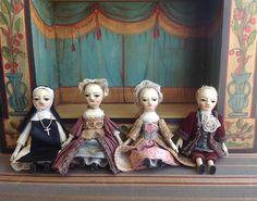Queen Anne dolls theater by Alena Sinel