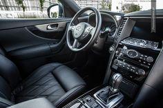 Infiniti FX interior  #infiniti #FX #interior #SUV more: http://premiummoto.pl/09/02/infiniti-fx30ds-black-and-white-edition-nasza-sesja