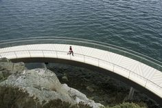 Accoya, the world's leading modified wood, has been exclusively chosen to form the largest bridge and integrated bench for a striking hiking path along the Hafrsfjord, Norway. Bridge Pattern, Stavanger, Walkway, Landscape Architecture, The Rock, Norway, North America, Paths, Hiking