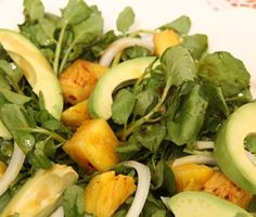 Cuban Avocado, Watercress, and Pineapple Salad (Ensalada de Aguacate, Berro, y Piña). I will omit the sugar. Could substitute with honey or pure maple syrup if needed. Cuban Recipes, Salad Recipes, Havanna Party, Salad Places, Pineapple Salad, Spicy Tomato Sauce, Clean Eating, Healthy Eating, Cooking Recipes