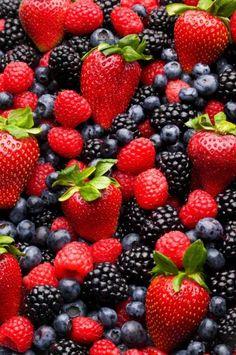 Conoce los beneficios de los frutos rojos.  http://mundorosa.com.mx/site/2013/06/ventajas-de-los-frutos-rojos/