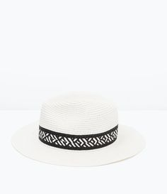 HAT WITH WOVEN DESIGN