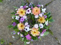 Locally grown seasonal flowers & natural bouquets delivered in Worcestershire. Florist for natural weddings & funerals, Worcester. Use British flowers & Herbs Seasonal Flowers, Unique Flowers, Fall Flowers, Natural Bouquet, British Flowers, Flowers Delivered, Funeral Flowers, Naturally Beautiful, Lilac