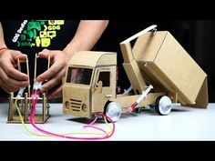 How to Make Amazing Hooklift Truck - Powered Hooklift Truck DIY Science Experiments Kids, Science Fair, Science For Kids, Science Projects, School Projects, Activities For Kids, Cardboard Model, Cardboard Toys, Diy Toys At Home