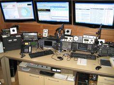 A very nice station setup!