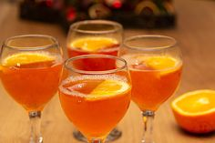 Rezept: Warmer Aperol Spritz – leicht, süffig und schnell zubereitet - Expolore the best and the special ideas about Budget freezer meals Healthy Juice Recipes, Healthy Eating Tips, Healthy Foods To Eat, Clean Eating Recipes, Easy Recipes, Holiday Appetizers, Holiday Desserts, Holiday Recipes, Budget Freezer Meals