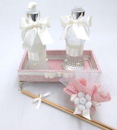 Kit lavabo inclui:  bandeja 20x10cm  aromatizador de ambiente  sabonete líquido  sachê  Altura do frasco: 20 cm / 200ml