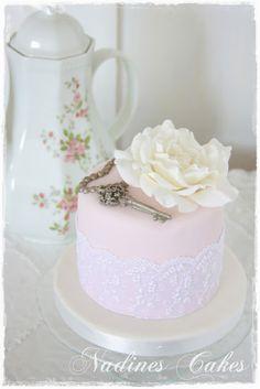 love love love! by Nadine's Cakes