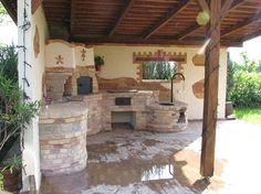 kemence, grill, bográcsozó, minden van.... Outdoor Cooking Area, Outdoor Kitchen Patio, Pizza Oven Outdoor, Outdoor Fire, Outdoor Living, Outdoor Kitchens, Fire Pit Table, Summer Kitchen, Mediterranean Homes