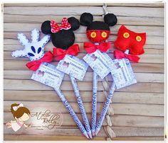 Ponteira de Lápis - Menino Mickey   (as ponteiras acompanham lápis personalizado com o nome, cartão personalizado e laço com fita de ce...