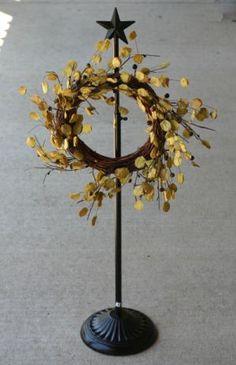 Beau Wreath Stand. A Great Start For A Centerpiece Idea Too! | ~DIY DeCoR U0026  MoRe~ | Pinterest | Repurpose, Wreaths And U2026