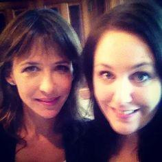 Selfie-Time: Redakteurin Elke von BUNTE.de mit der schönen Sophie Marceau
