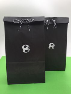 It's a game that involves two teams with a single ball and two field ends known as goals. Soccer Party Favors, Soccer Birthday Parties, Party Favor Bags, 9th Birthday, Birthday Ideas, Soccer Treats, Soccer Snacks, Soccer Banquet, Soccer Ball