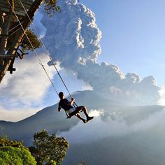 On a scale from 1 to How epic is this? Eruption of the Mt. Tungurahua volcano in Banos, Ecuador, that took place on February Minutes after the photo was taken they had to evacuate the area because of an incoming ash cloud. Photo by Bizarre News, Parasailing, Galapagos Islands, Just Dream, Weird Pictures, Swing Pictures, End Of The World, Photo Contest, Geography