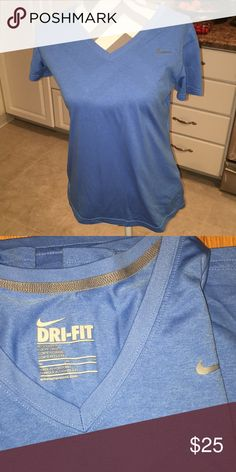 6510b0578dd148 Nike Drifit Tee In perfect condition. Nice color and perfect for running!!  Nike