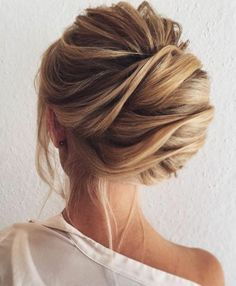 eine lockere aber auch elegante hochsteckfrisur | Einfache Frisuren
