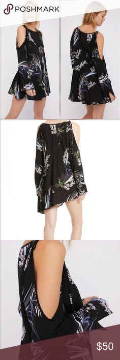 NWT Free People Clear Skies Cold Shoulder Tunic Details - Scoop neck - Long sleeves with cold shoulders - Floral print - Unlined - Imported Fiber Content SPANDEX Care Machine Wash Cold Tumble Dry Low Additional Info Fit: this style fits true to size. Free People Tops Tunics