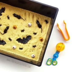 DIY spooky sensory bin Toddler Learning Activities, Toddler Preschool, Fun Activities, Easy Halloween, Halloween Themes, Crafts For Kids, Arts And Crafts, My Cup Of Tea, Sensory Bins