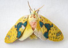 Gestickte Schmetterlinge von Yumi Okita