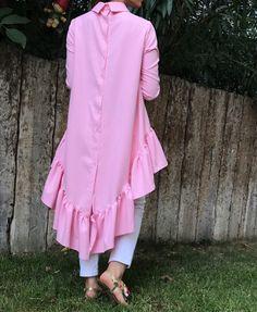 @genctessettur Muslim Fashion, Hijab Fashion, Fashion Dresses, Dress Neck Designs, Fancy Blouse Designs, Trendy Dresses, Casual Dresses, Girls Dresses, Indian Gowns Dresses