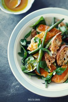 Haricot vert and oscypek (or halloumi) in orange dressing salad
