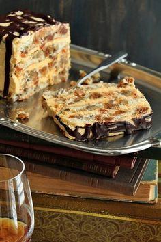 Donut Recipes, Baking Recipes, Cookie Recipes, Dessert Recipes, Croatian Cuisine, Rodjendanske Torte, Kolaci I Torte, Croatian Recipes, Just Cakes