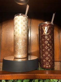 Louis Vuitton Monogram Crosss Body Leather Handles Canvas Handbag Speedy Bandouliere 25 Article: – The Fashion Mart Diy Tumblers, Custom Tumblers, Glitter Tumblers, Personalized Starbucks Cup, Personalized Cups, Louis Vuitton, Copo Starbucks, Starbucks Tumbler, Glitter Cups