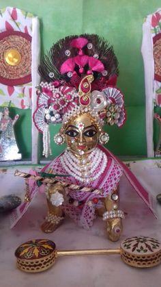 Bal Krishna, Radha Krishna Images, Radhe Krishna, Loreal Hair Color Chart, Shree Krishna Wallpapers, Laddu Gopal Dresses, Bal Gopal, Ladoo Gopal, Gods And Goddesses