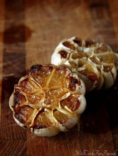 How To Roast Garlic tutorial - just 2 ingredients and just about no prep. Use your sweet, mellow roasted garlic in pestos, pastas, in stews, on veggies, spread on sprouted-grain bread like butter ... just about anywhere you'd use garlic.