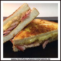 Sandwich de lacón, queso fundido y cebolla caramelizada