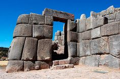 Sacsayhuaman Terrace Gateway (by Martynas) One of the terrace gateways of the Inca Sacsayhuaman fortress-temple complex at Cuzco . The structure was begun in the reign of Pachacuti Inca Yupanqui - 1471 CE) and completed by his successors. Ancient Mysteries, Ancient Ruins, Ancient Artifacts, Ancient History, Historical Artifacts, Machu Picchu, Ancient Architecture, Art And Architecture, Inca Empire