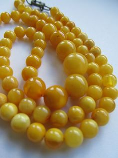 //Vintage Butterscotch Baltic Amber Bead Necklace