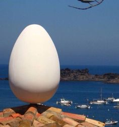 Egg on the roof of Dali's home in Port Lligat, Spain Barcelona, Dali, Costa, Madrid, Vladimir Kush, Adventure Bucket List, Famous Artists, Beautiful Artwork, Artist Art
