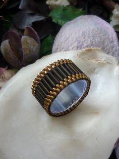 Os presento la colección miyuki exótico,los anillos se pueden variar el color y el tamaño y la pulsera se puede variar el color y la largada...