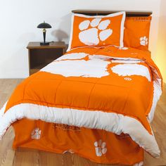 College Covers Clebbquw Clemson Bed in a Bag Queen- With White Sheets, As Shown Twin Xl Bedding, Queen Bedding Sets, Luxury Bedding Sets, Cotton Bedding, Comforter Sets, Orange Bedding, White Sheets, Bed In A Bag, Bed Sheets