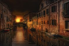 Rosso Veneziano by Maurizio Fecchio [5 Exposure (0, -1,7, +1,7 ev) Tonemapping with Photomatix Pro PP with PS CS5]