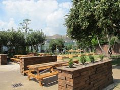 Restaurant buzz: A new backyard barbecue beer garden is set to open in the Museum District