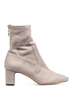c24f92746a8b0 224 Best Feetology images in 2019   Women shoes heels, Heel boots, Heels