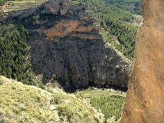 Alpuente 2015 04: Vista del precipicio tras el Castillo de Alpuente
