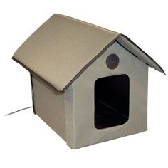 This is a good little winter house for cats that are outdoors. I would put it under an outdoor table and put a solar swim pool cover over the whole thing, brick it down and leave 2 openings for entry/escape.