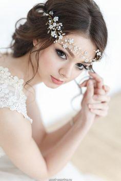 Crystal Decorated Wedding Bridal HeadBand HeadPiece Bridal Halo Bridal Hair Vine Tiara Diadem Veil Chaplet Bridal Hairpiece