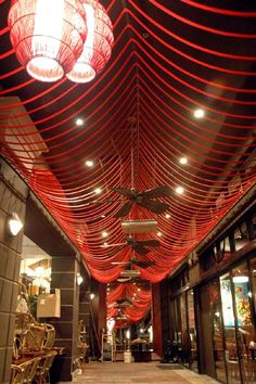 Rope Inc. supplied an interior designer with 3/4 inch Nylon Double Braid from New England Ropes for use in an architectural application. Using the bright orange color provided a brilliant accent color to the restaurant ceiling at City Cellar Wine Bar and Grill at the City Place Mall in West Palm Beach, Florida.