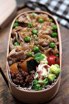 豚丼 - DAY BOOK LUNCH Japanese Lunch Box, Japanese Dishes, Japanese Food, Bento Recipes, Lunch Box Recipes, Recipes Dinner, Lunch Ideas, Work Lunch Box, Bento Box Lunch