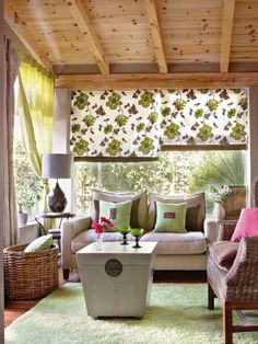 green and pink!   ANYONE know directions to make those fabric shades???