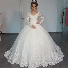 Pretty Long Sleeve Ball Gown 2016 Sexy New White Beaded Lace Tulle Wedding Dress Bridal Gown vestido de noiva robe de mariage
