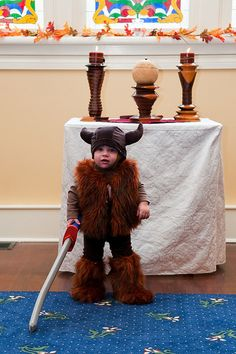 nothing like an adorable kid in a ridiculously amazing costume to put a smile on my face.