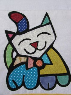 Dish cloths with rereading Gato Romero in patchaplique. Barred color with . Applique Patterns, Mosaic Patterns, Applique Designs, Paper Mache Boxes, Cat Quilt, Naive Art, Painting Lessons, Cat Art, Peace And Love